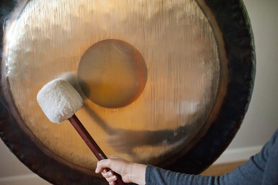 Kąpiel w dźwiękach Gongu – 25 listopada godz. 18 00  Shanti Yoga Studio